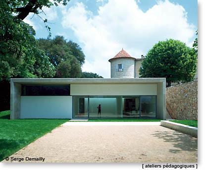 espace de l 39 art concret. Black Bedroom Furniture Sets. Home Design Ideas